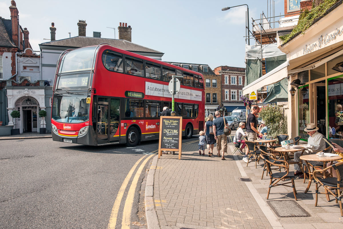 London-Bus in Wimbledon